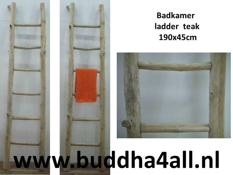 Decoratie Ladder Badkamer : Badkamer ladder houten decoratie ladder voor in de badkamer